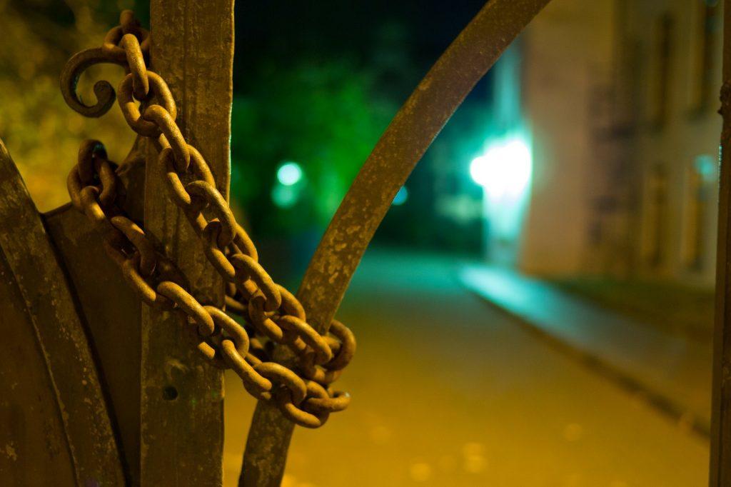 Kajdany - osobowość zależna
